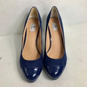 Hot In Hollywood Suede Patent Pump 9.5 Navy EUC